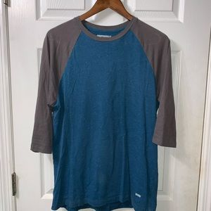 Levi's 3/4 length shirt
